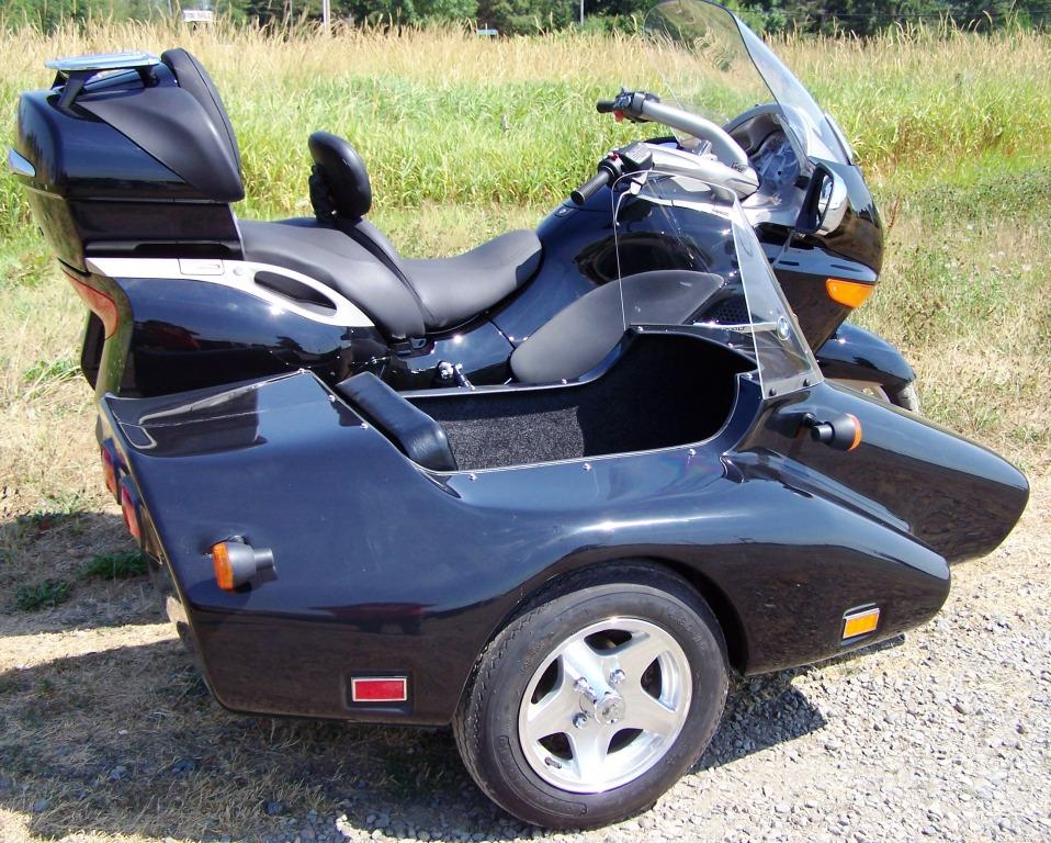 Kenna SIdecar with optional alloy wheel on a BMW K1200KT